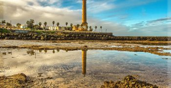 lighthouse-none-2014974_1920